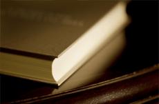 ベストセラー小説より古典を読むべき?